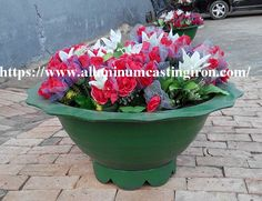 Ductile iron flower pot is a potted utensil used in private garden villas. The ductile iron planter is also used for decoration and greening of parks, plazas, institutions, etc. Flower Planters, Flower Pots, Planter Pots, Flowers, Cast Iron Bench, Ductile Iron, Garden Villa, Private Garden, It Cast