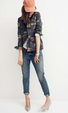 Madewell Outbound jacket in camo, cropped blouse in floral woodcut and the Rivet & Thread selvedge Boyjean®. Minus the hat. Military Chic, Military Fashion, Military Vest, Camo Fashion, Womens Fashion, Street Fashion, Spring Fashion, Autumn Fashion, Jeans Boyfriend