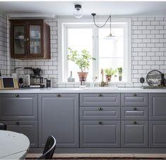 Ikea Kitchen, Kitchen Flooring, Rustic Kitchen, Kitchen Cabinets, Kitchen Ideas, Bodbyn, Interior Design Living Room, Kitchen Design, Kitchens