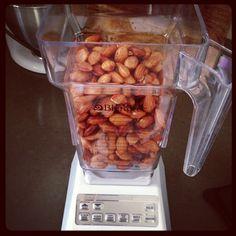 Making homemade nut butter! Healthy Blender Recipes, Vitamix Recipes, Vegan Recipes, Nut Butter, Almond Butter, Nutribullet, Guilt Free, Vegan Vegetarian, Free Food