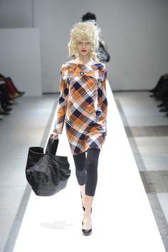 "JUNYA WATANABE COMME des GARÇONS x Loewe Collaboration Featuring Tweed Bag ""Amazona,"" Dresses and Others FW #fashion #japanesefashion"