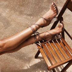 Holidays vibes @publicdesire Cinderella heels 🦋 { use discount code RITA15 } #pdbae