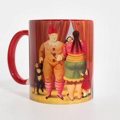 """Mug Coleccionable con un fragmento de la obra: Familia de circo, de la serie """"El Circo"""" del maestro Fernando Botero. Lo puedes encontrar en: http://tienda.museodeantioquia.co/producto/mug-loza-familia-del-circo/"""