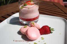 dies´und das und süsse Sachen...: Erdbeer-Mousse und Erdbeer-Macaron´s mit Basilikumzucker