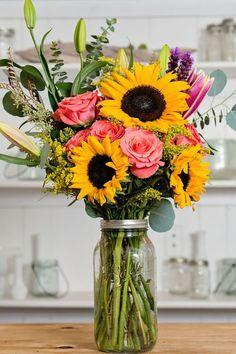 Срезанные Цветы, Свежие Цветы, Красивые Цветы, Доставка Цветов, Цветочные Вазы, Желтые Цветочные Композиции, Подсолнухи Букет