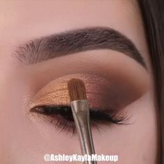 Makeup Tricks to Look Younger : 11 Ways . - Makeup Tricks to Look Younger : 11 Ways to Look Younger With Makeup – - Makeup Eye Looks, Eye Makeup Steps, Smokey Eye Makeup, Eyebrow Makeup, Skin Makeup, Makeup Eyeshadow, How To Eyeshadow, Eyeshadow Makeup Tutorial, Brown Makeup Looks