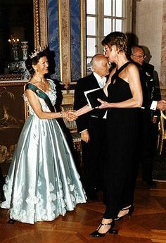 Queen Silvia wore this tiara for a dinner during the Italian State Visit in May 1998.