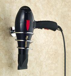 Você pode apoiar equipamentos como secadores e chapinhas em ganchos - Ademilar