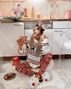 Looking for for ideas for christmas aesthetic?Check this out for cool Christmas ideas.May the season bring you serenity. Xmas Holidays, Christmas Mood, Merry Christmas, White Christmas Outfit, Cute Christmas Outfits, Christmas Clothing, Christmas Morning, Christmas Tumblr, Christmas Couple