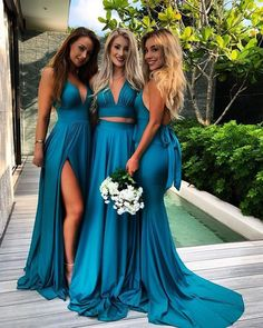 Incredible dresses for your bridesmaids 😍 Do you like this color ? Leave a comment below! 💕 Double tap & TAG your girls ...⁠ ⠀⁠ ⠀⁠ Dresses from @studio.minc.official⠀⁠ Bridesmaid Dresses Long Blue, Blue Bridesmaids, Bridesmaid Colours, Beautiful Bridesmaid Dresses, Nice Dresses, Girls Dresses, Amazing Dresses, Aqua Dresses, Beautiful Dresses