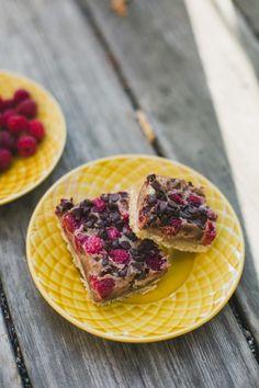 Chocolate Raspberries Pie Bars   bsinthekitchen.com #raspberries #chocolate #piebars #bsinthekitchen
