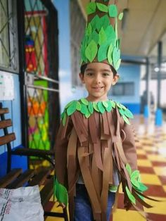 100 Cool DIY Halloween Costume for Kids for 2019 - Hike n Dip Here are 100 Cool Halloween Costumes for Kids ideas which you can DIY and make Halloween special for your kids. These Kids Halloween Costume are the best. Kids Joker Costume, Evil Queen Halloween Costume, Girl Zombie Costume, Spider Girl Costume, Best Diy Halloween Costumes, Tree Costume, Halloween Kostüm, Halloween Recipe, Women Halloween