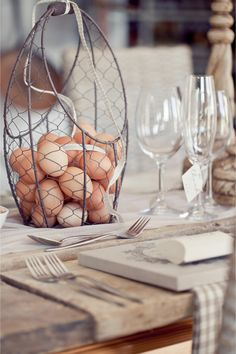 Rustic foodie wedding centerpiece / Leani Holmes Photography