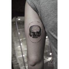 By Gergo Augusztiny - skull - tattoo-info@gergoaugusztiny.com