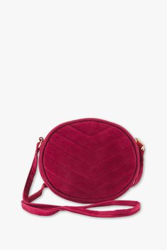 Discover the latest fashion! Velvet shoulder bag now at the C&A online shop – Fast delivery✓ Top quality✓ Great prices✓ Mode Plus, Casual Jeans, Backpack Bags, C & A, Latest Fashion, Contrast, Coin Purse, Velvet, Shoulder Bag