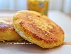 Arepas are a very important part of Colombian cuisine, as tortillas are for Mexican cuisine. In some parts of Colombia, like in my hometown of Antioquia, we My Colombian Recipes, Colombian Cuisine, Latin American Food, Latin Food, Mexican Entrees, Mexican Food Recipes, Vegetarian Recipes, Colombian Arepas, Comida Latina