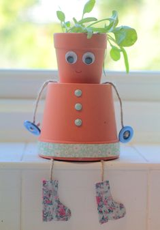 How to Make Plant Pot People #plantpot #diy #gardencraft