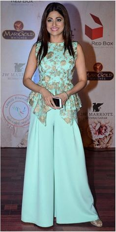 Mint-Green-Floral-Palazzo-Dress-For-Formal-Events 20 Outfit Ideas to Wear Short Shirts with Palazzo Pants Indian Fashion Dresses, Indian Gowns Dresses, Indian Designer Outfits, Fashion Outfits, Emo Outfits, Punk Fashion, Lolita Fashion, Designer Dresses, Indian Wedding Guest Dress