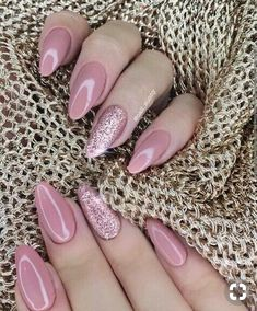 Figure nail picture nail is part of Coral Red nails Simple - Figure nail Illustration nail Source by Sexy Nails, Cute Nails, Pretty Nails, Polygel Nails, Gorgeous Nails, Winter Nails, Summer Nails, Fall Nails, Acrylic Nail Designs