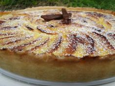 Tarte aux pommes et carambar – Les recettes de mimi Healthy Vegetarian Pasta Recipe – One Pot Pasta Primavera. Desserts With Biscuits, No Cook Desserts, Dessert Recipes, Tart Recipes, Relleno, Yummy Cakes, Amazing Cakes, Bakery, Food And Drink