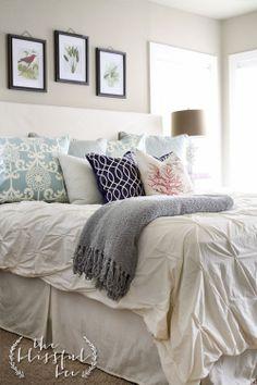 love the color of pillows. same as my bathroom