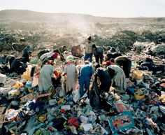 Residents, Vaalkoppies (Beaufort West Rubbish Dump), 2006 © Courtesy of Mikhael Subotzky and Goodman Gallery, South Africa Saatchi Gallery, Zimbabwe, History Of Photography, Art Photography, Contemporary Photography, Beaufort West, Out Of Focus, Illustrations, Magnum Photos