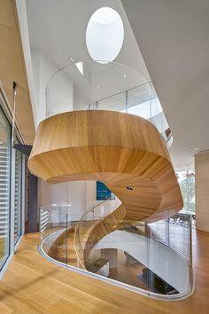 Se inspire em um design de escada caracol que pareça uma obra de arte