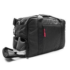 The DSPTCH is the one bag to rule them all. It's a gym-slash-work bag that . Read more From Gym to Work and Back Again: DSPTCH Gym/Work Bag Mens Gym Bag, Gym Bags For Men, Gym Gear For Men, Diaper Bag, Gyms Near Me, Best Gym, Branding, Workout Gear, Backpacks