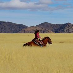 Need to get away? Circle Z Ranch in AZ is the perfect getaway for horse lovers! Plan your next vacation here: circlez.com - COWGIRL Magazine
