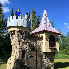 "A Canadian man's ""stupid idea"" to make extravagant playhouses has turned into a dream job in which he gets to bring children's wildest fantasies to life. 