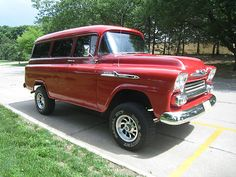 Chevrolet : Suburban Apache 1958 Chevrolet
