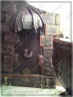 Поделка изделие Ассамбляж Моделирование конструирование 'Забытый зонт'-ключница№3 Клей Кожа фото 1 Diy Framed Wall Art, Tunisian Crochet, Pallet Furniture, Decoupage, Steampunk, Mosaic, Canvas Art, Arts And Crafts, Projects