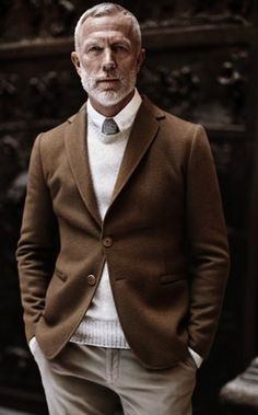 average-mens-casual-outfits-men-over-50