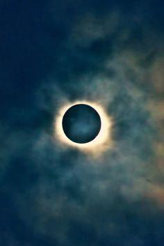Total solar eclipse in Faroe Islands 20-03-2015 Jóan Petur Olsen