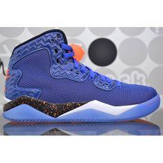 62aa732771 Sneaker alte Air Jordan brand disegnate per Spike Lee le Forty è la nuova  fashion shoes. Aquista online, spedizioni gratuite in 24h