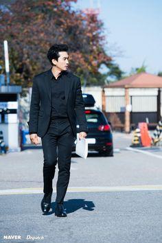 Song Seung Heon Asian Celebrities, Asian Actors, Korean Actors, Song Seung Heon, Black Song, Korean Tv Shows, Black Korean, Korea University, Tv Series 2013