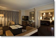We offer lavish living and impeccable surroundings in our 27 tastefully decorated suites at Cache Creek Casino Resort.