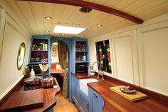 Could you cope with living on a narrowboat? by Boats and Outboards Team Narrowboat Kitchen, Narrowboat Interiors, House Boat Interiors, Canal Boat Interior, Sailboat Interior, Barge Interior, Interior Ideas, Canal Barge, Living On A Boat