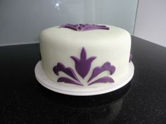 Cake Decorating Ideas for a Mom's Day Cake.