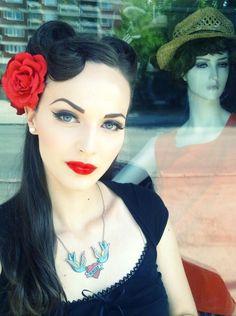 I love her make up.  Lovely Dyed Locks