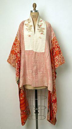 Tucked into Hakama. - Kimono Date: Culture: Japanese Medium: silk Japanese Textiles, Japanese Kimono, Kimono Japan, Japanese Outfits, Japanese Fashion, Ethnic Fashion, Kimono Fashion, Ethno Style, Vintage Outfits
