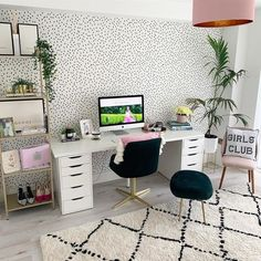 We are dotty about this home office by featuring Sandberg Ella! Thanks for letting us share 💕 Home Office Space, Home Office Design, Home Office Decor, Spare Room Office, Home Decor, Uni Bedroom, Room Decor Bedroom, Bedroom Inspo, Study Room Decor