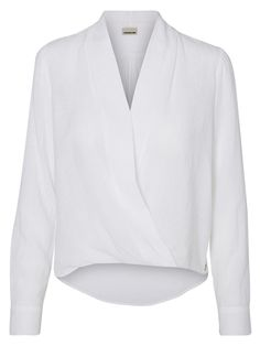 White shirt with a v-neckline from Noisy may. wear it with white sneaks and blue denim jeans.