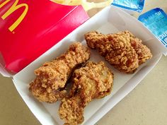 """McDonald's Chicken """"Mighty Wings"""": Animals Have Bones! Mcdonalds Chicken, Roy Choi, Fast Food Reviews, Los Angeles Food, Menu Boards, Chicken Wings, Paper Cups, Dishes, Canning"""