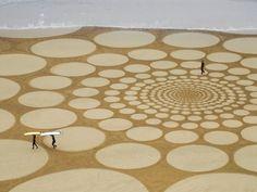 dessins dans le sable sur la côte sud de l'Angleterre. - Recherche Google