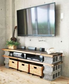 It's not necessary to break the bank to decorate a dorm. Take a look at these creative ways to use cinder blocks in dorm rooms.