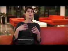 Dix questions posées à des femmes, un invité masculin, des retours d'expérience sur le numérique. Marion Chapulut nous parle de Rockcorps, quand le numérique rapproche les univers.  #femmes #women #digital #innovation