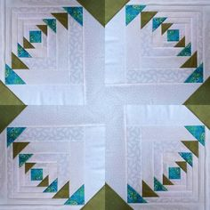 Patchwork Quilt Paper Piecing Log Cabins 47 Trendy Ideas You are in the right place about patchwork quilting paper piecing Here we offer you the most beautiful pictures about the patchwork quilting bo Log Cabin Patchwork, Log Cabin Quilt Pattern, Log Cabin Quilts, Patchwork Quilting, Quilt Block Patterns, Pattern Blocks, Log Cabins, Patchwork Patterns, Modern Quilt Blocks