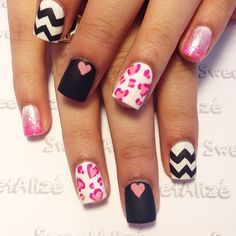 Cute V day nail art
