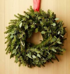 Green-on-green easy wreath. How-to: http://www.midwestliving.com/homes/seasonal-decorating/beautiful-holiday-wreaths/?page=14,0